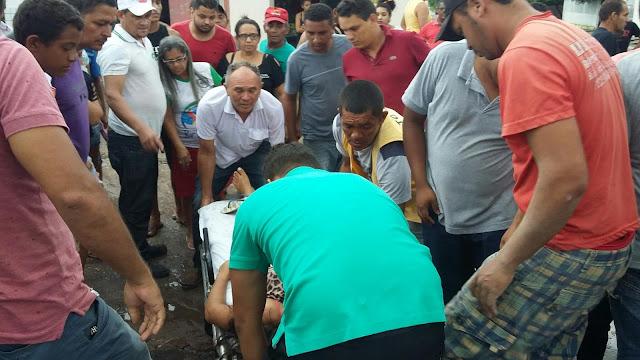 Acidente no centro de Anapurus entre um carro e uma motocicleta deixa uma jovem ferida.