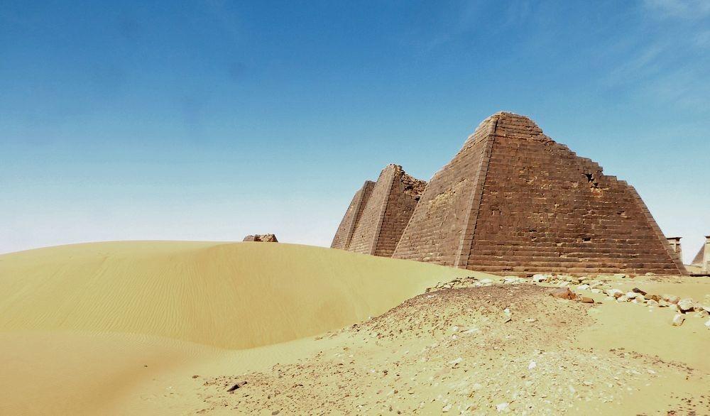 nubian-pyramids-15