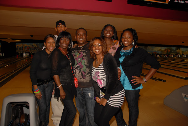 KiKi Shepards 8th Annual Celebrity Bowling Challenge (2011) - DSC_0816.JPG