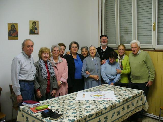 Padre Italo Padovan col Gruppo Missionario