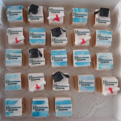 99- Hurkmans diploma petit-fours.JPG