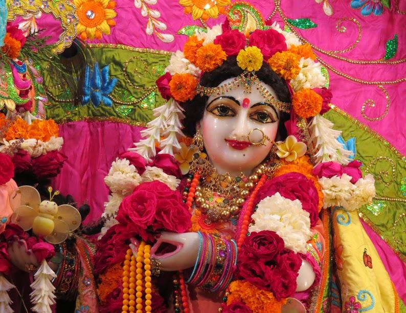 ISKCON Vallabh vidhyanagar Deity Darshan 16 jan 2017 (3)