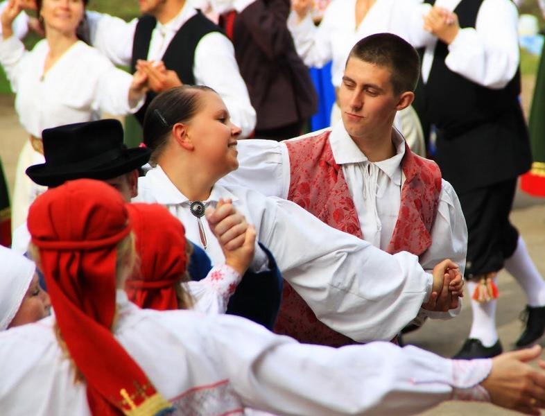 Peipsiäärsete maakondade tantsupidu 2010 - Elva_2010_04.JPG