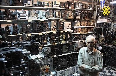 Dimistris Pistiolas sang kolektor kamera
