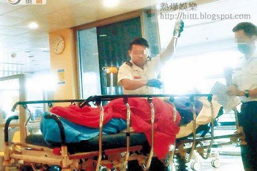 醫護無備<br>救護員送病人進入急症室時,一個無戴口罩,另一個無戴手套,兩人均無穿保護衣。