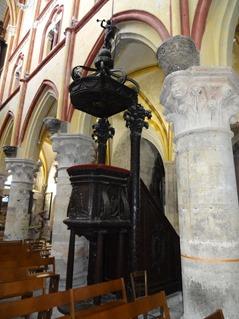 2016.03.27-036 chaire dans l'église Notre-Dame