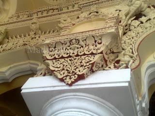 Thirumalai Nayakkar Palace pillar-art work