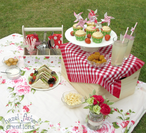 2015 June 26 summer picnic spread photo diy for wayfair hazelfishercreations1