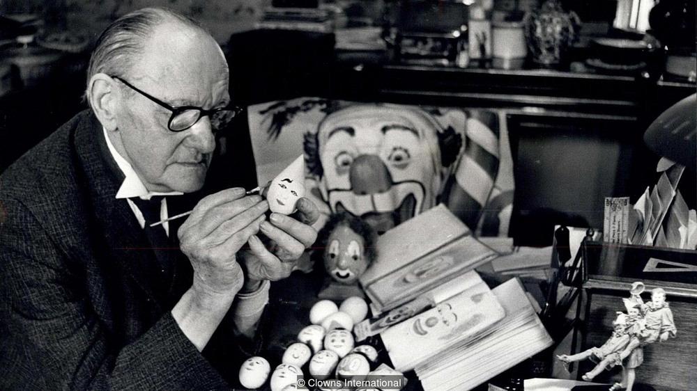 clown-eggs-2