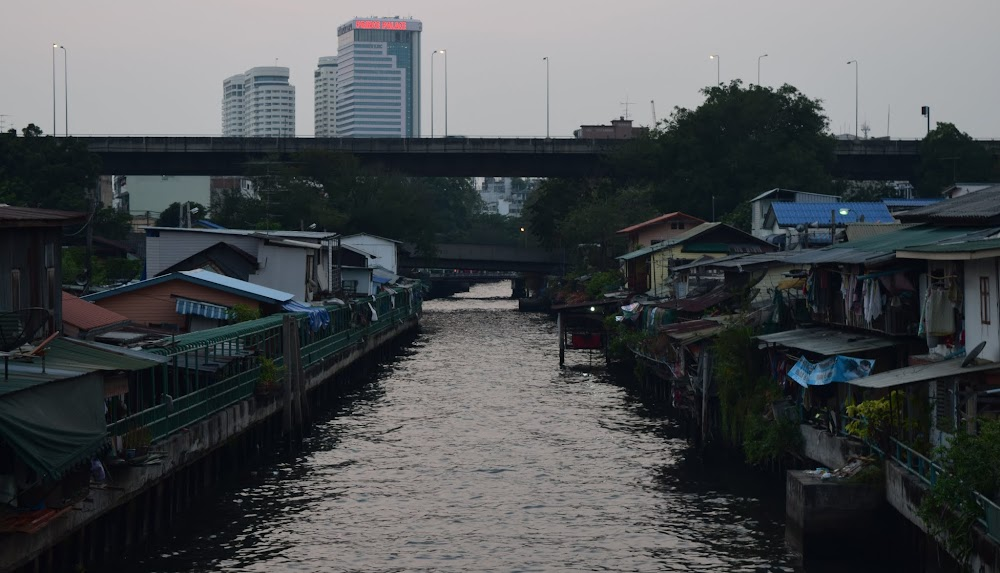 late afternoon, sunset begins, there isn't a better time to walk around the canal-side slums