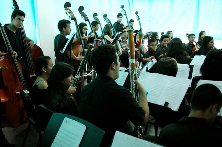 La Orquesta de la Juventud Trujillana José Antonio Abreu está compuesta por 80 jóvenes de los 18 núcleos que tiene el programa en la entidad