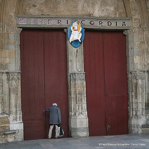 Portes closes à la cathédrale pour cause de manifs