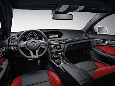 Mercedes-Benz-C63_AMG_Coupe_2012_Interior_03_1600x1200