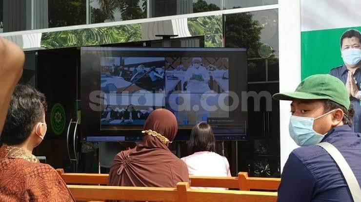 Sidang Virtual Ditunda, Pengacara: Habib Rizieq Bakal Dihadirkan Langsung