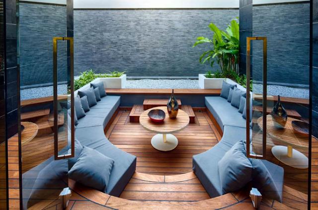 Phòng khách hiện đại sang trọng được trang trí bằng các bảng màu tươi sáng, hấp dẫn đối với thị giác.