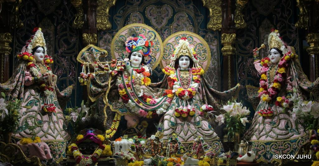 ISKCON Juhu Sringar Deity Darshan on 25th Oct 2016 (2)