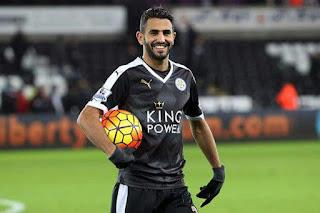 Mahrez «heureux» de continuer l'aventure avec Leicester City.