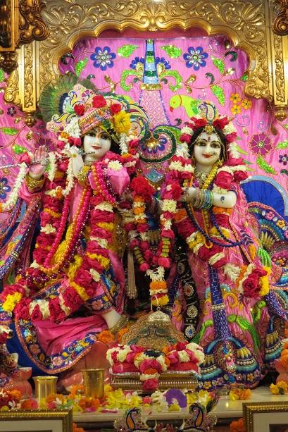 ISKCON Vallabh vidhyanagar Deity Darshan 19 jan 2017 (2)