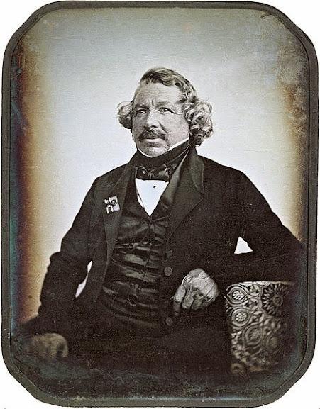 Louis Daguerre, o pai da Daguerreótipo em um retrato de 1844.