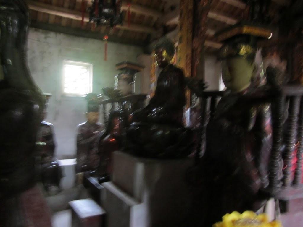 0016Ngo_Quyen_Temple