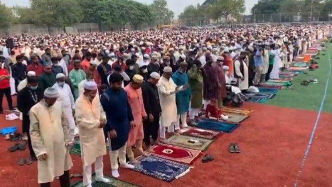 Muslim di New York Gelar Salat Idul Adha Tanpa Masker dan Jaga Jarak