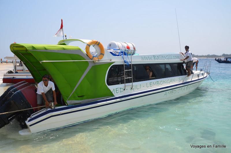 Amed sea express boat