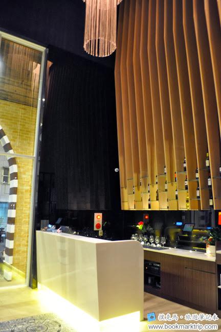 納尼亞義式餐廳服務櫃檯