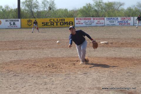 Eduardo Sánchez de Diamantes en el softbol del Club Sertoma
