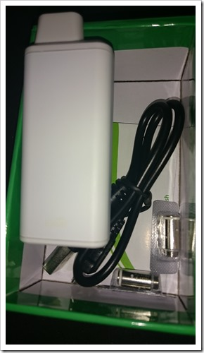 DSC 2876 thumb%25255B2%25255D - 【初心者向け】!「Eleaf iCareスターターキット」レビュー!吸うだけで電源ONベイプ、マジックの小道具になる!?【超小型、IQOSより上!】