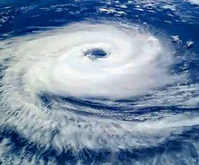 भारत में चक्रवाती तूफान 'गुलाब' का दस्तक देना शुरू , ओडिशा और आंध्रप्रदेश में हाई अलर्ट