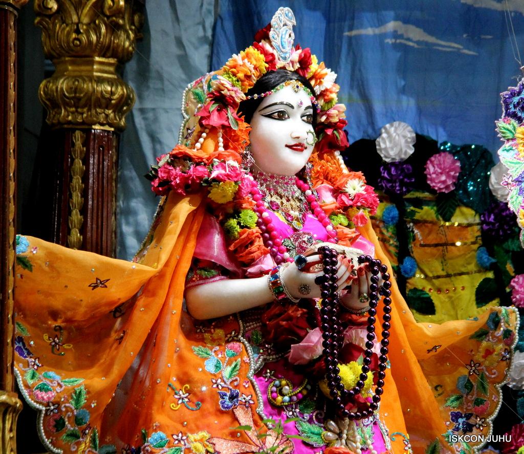 ISKCON Juhu Sringar Deity Darshan on 29th Sep 2016 (2)