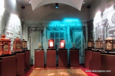 Museo de relojes en el Palacio del Tiempo