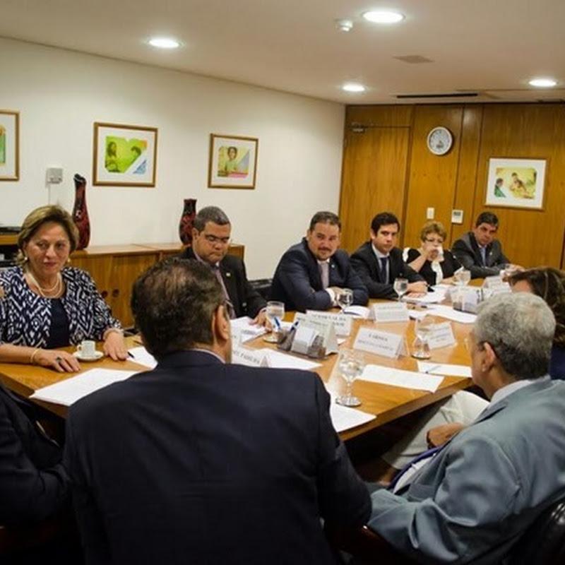 Rosalba acompanha produtores de sal em audiência com ministro da Casa Civil