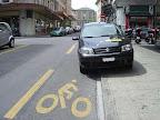 L'hybride, un classique, on s'en lasse pas : La voiture moitié piéton, moitié vélo.