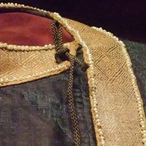 Originale tunicella - dettaglio scollo
