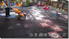 BabyBuild 橡膠地墊清潔
