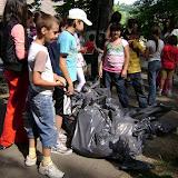 Actiune in colaborare cu Clubul Copiilor pentru pastrarea naturii curate - proiect educational - mai - DSC01753.JPG
