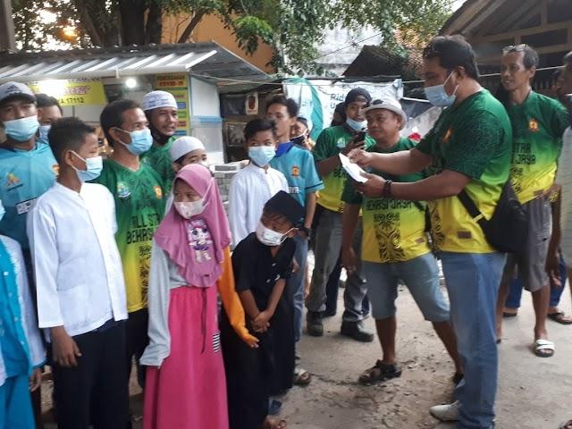 Bekasi Jaya All Start Berbagi Ta'Jil dan Santunan Anak Yatim