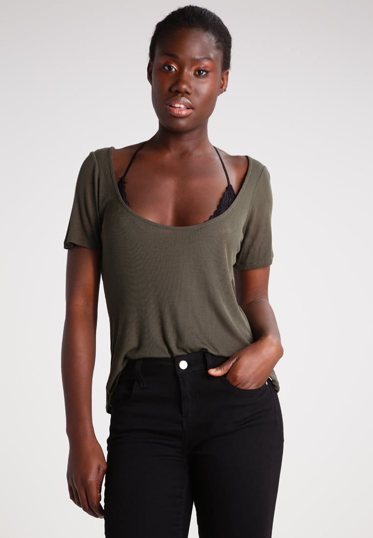 MODERN T-SHIRT STYLES FOR CASUAL SOUTH AFRICAN WOMEN 2