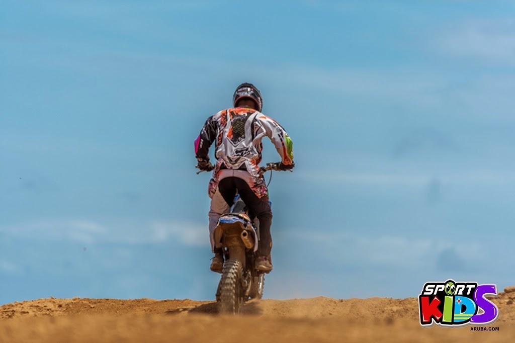 extreme motorcross Aruba - moto%2Bcross%2BGrape%2Bfiled%2BApril%2B2015-32.jpg