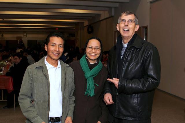 OLOS Navidad 2010 con Amigos Migrantes - IMG_9844.JPG