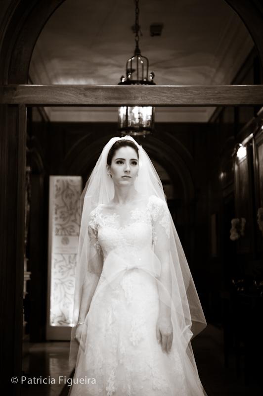 Foto de casamento 0392pb de Mônica e Rafael. Marcações: 03/09/2011, Casamento Monica e Rafael, Fotos de Vestido, Glorinha Pires Rebelo, Rio de Janeiro, Vestido, Vestido de Noiva.