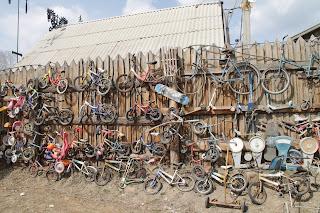 Выброшенные велосипеды