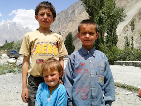 Local kids seen in Gulmit villege.