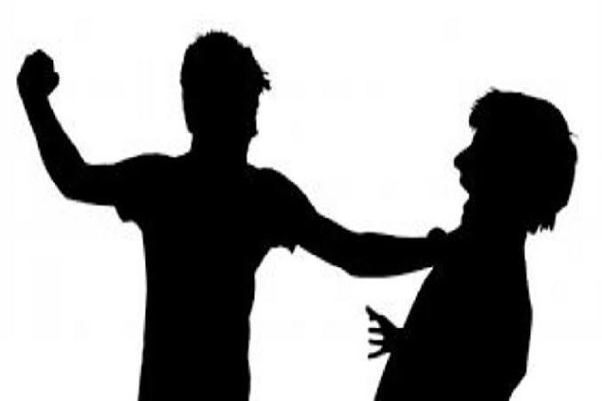 पिता की बेईज्जती पर बेटा ने की बीडीओ की पिटाई, कार्यालय गए थे फसल क्षति की शिकायत करने