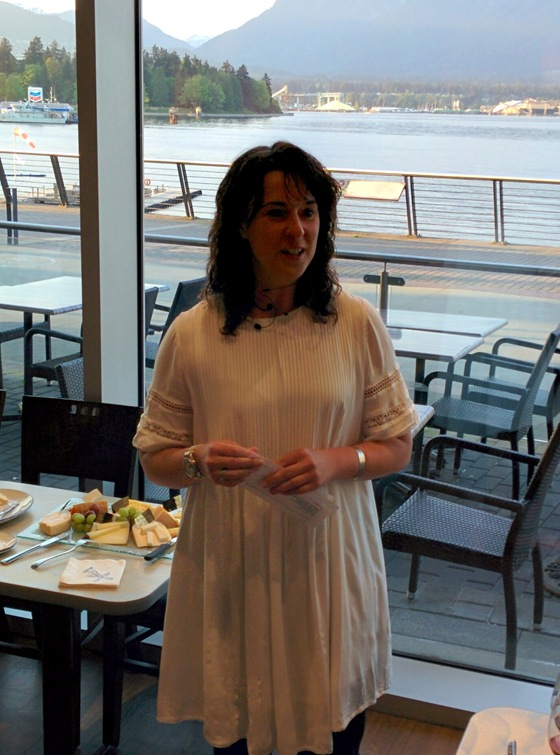 Stefanie Schales introduces the wines of 8th Generation