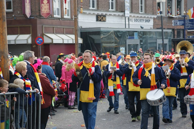 2012-02-19 tm 21 Carnaval in Oeteldonk - DSC04125.JPG