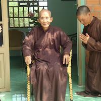 [TSPT-0120] Tu sinh và phật tử thăm Thầy (06/03/2010)