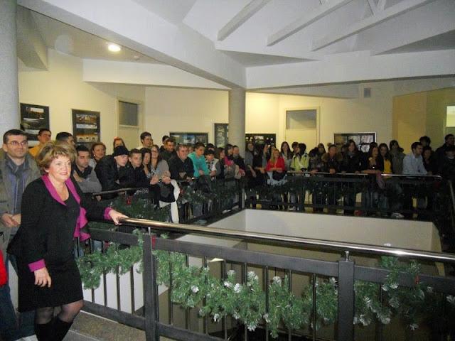 Dodela diploma, Predstava, Izlozba SingiDigitala 28.12.2011 - DSCN0893.jpg