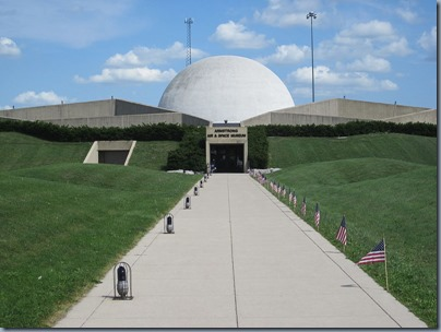 800px-Armstrong_Air_and_Space_Museum_08312012_067